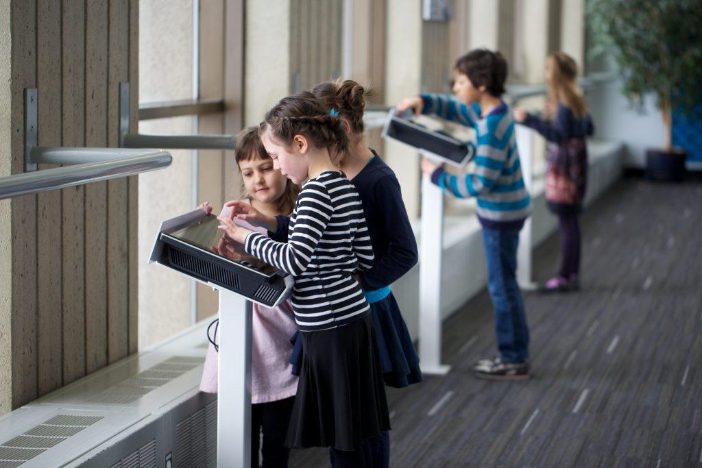 Enfants à l'Observatoire de la Capitale